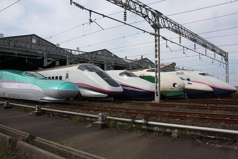 JR East Shinkansen Lineup on a Public opening Event at Niigata Shinkansen Rolling Stock Center / (from the Left) E5 Series, E3 Series, E2 Series, 200 Series, E4 Series, and E1 Series