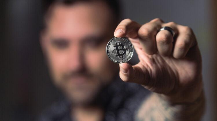Ab sofort akzeptiert standing ovation, eine der führenden Kreativagenturen für Live-Kommunikation, auch Bitcoin und Ethereum.