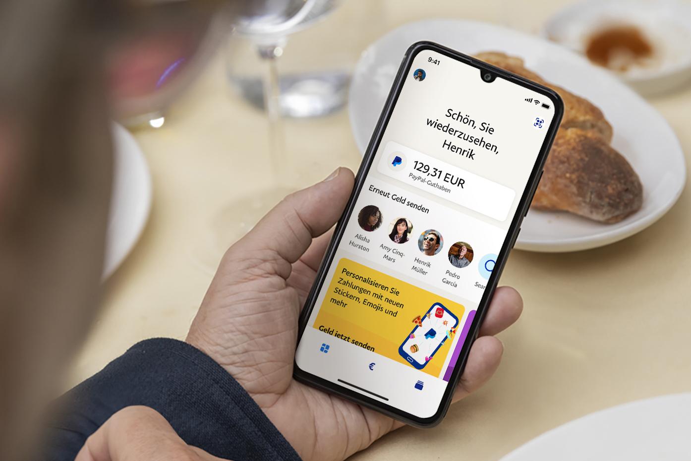 Personalisierte Übersicht, Chatfunktion für private Transaktionen, Spenden für den guten Zweck: Der Zahlungsanbieter PayPal hat seine App überarbeitet und neue Funktionen und Services angekündigt.