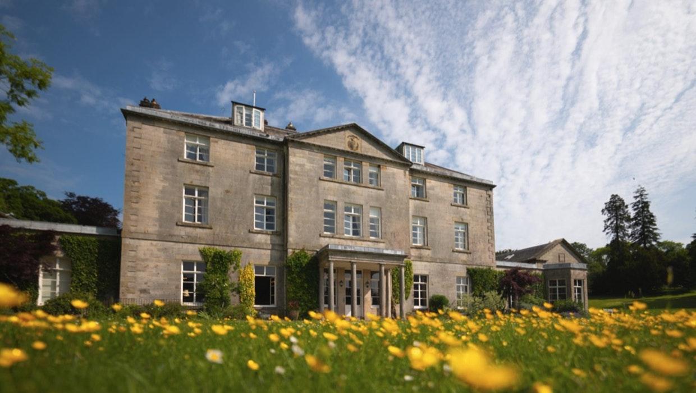Castle Craig in Schottland gilt als weltweit erste Klinik zur Behandlung von Krypto-Süchtigen. Die Nachfrage nach Therapieplätzen dort soll sich zuletzt verzehnfacht haben.